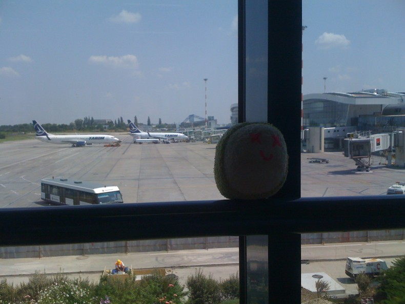 Knuwu Bucharest Airport Otopeni